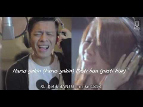 d'Masiv featuring Ariel, Giring, Momo  Esok Kan Bahagia Official Video with Lirics