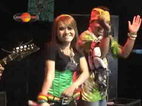 Eny Sagita - Republik Sulap (Official Music Video)