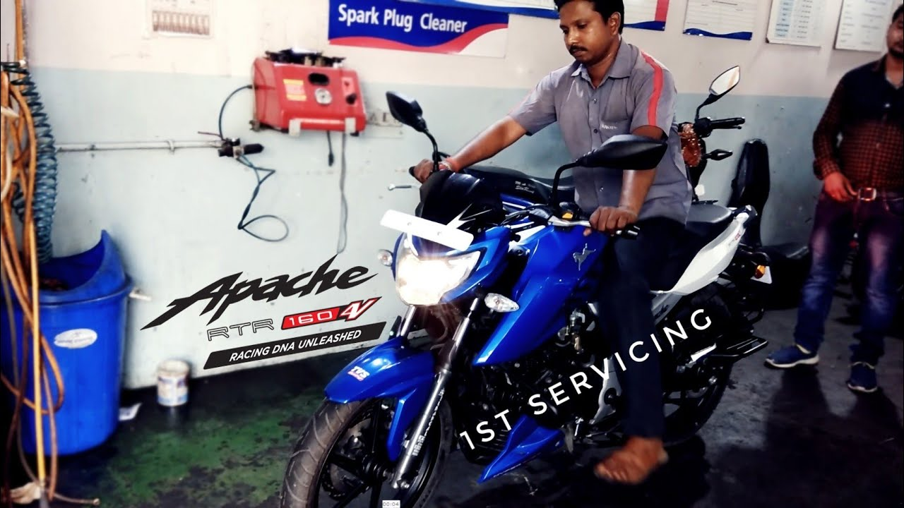 First Servicing - TVS Apache RTR 160 4V | Experience | Engine Oil Change |  Service Charge