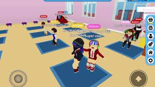 ROBLOX: ROBLOX high school 2! Plus tour in MQ's house in the game!