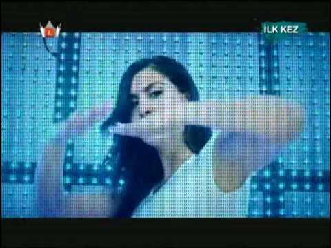 Tugba Ekinci - Condom ( Kondom ) - ORJİNAL VİDEO KLİP - Yuksek Kalite  W  Lyrics