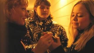 Caroline Castell - Ud i Natten / Titelsangen til Losers United