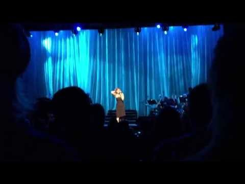 Idina Menzel - Let it go live at Carre Theater in Amsterdam