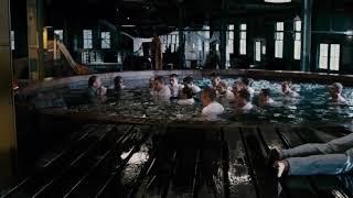 Обучение в бассейне со льдом ... отрывок из фильма (Спасатель/The Guardian)2006