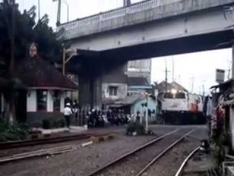 Ka Matarmaja Lepas Stasiun Malang Kota Lama By Hendi Nur