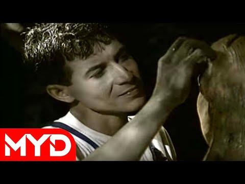 Mustafa Yıldızdoğan - Saçların [Resmi Video]
