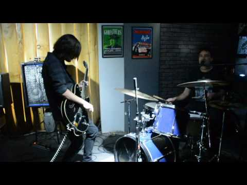 Noise Figures. In the Bone Yard. Live at Aigli bar. Serres Greece. 12 1 17
