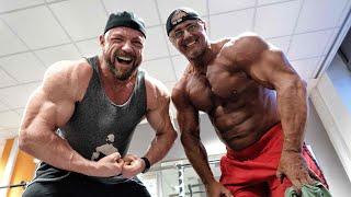 Birk Luther zeigt seine Muskeln - Formcheck