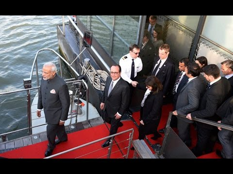 Narendra Modi, Hollande go on boat ride on Seine river