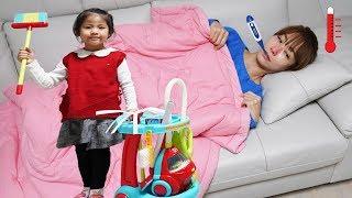 Seoeun Pretend Play to Clean for Sick Mommy Decorating Kids Room Pororo Noodle 서은이의 아픈 엄마 돌보기