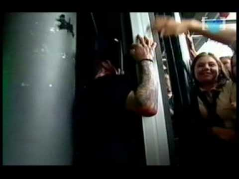 Papa Roach - Time And Time Again Live