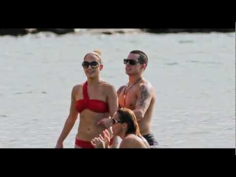 Jennifer Lopez & Casper Smart Brazilian Beach with the Kids!