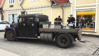 Hurley & the Blue Dots på G:a Torget Tidaholm , Dusty Road Blues Festival 2015