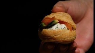 профитроли с рыбой Закуска на Новы Год | рецепт рукавички манифтв