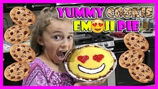 CHOCOLATE CHIP COOKIE EMOJI PIE | We Are The Davises
