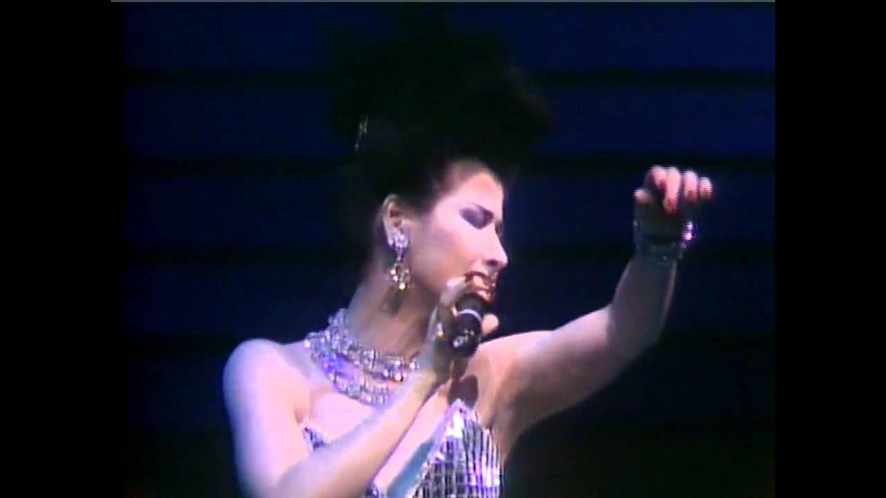 ♪ 甄妮26~皆因你的愛~甄妮88年演唱會 ♪ - YouTube