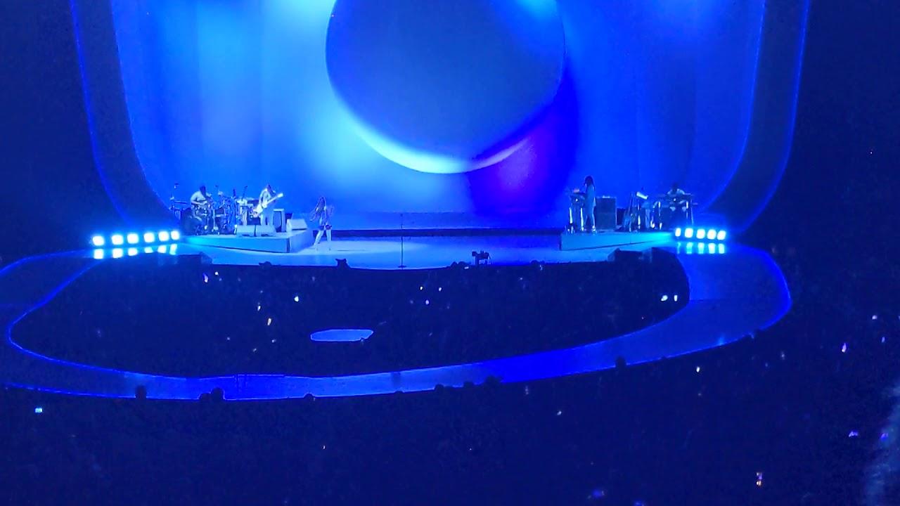 Ariana Grande Breathin Sweetener World Tour San