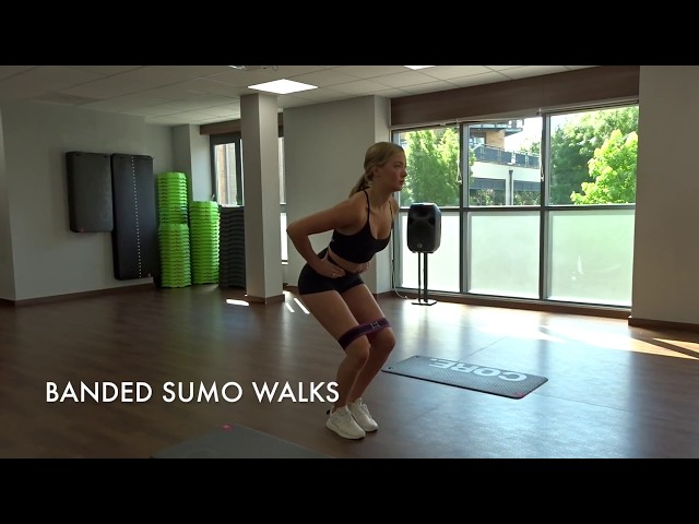Banded Sumo Walks