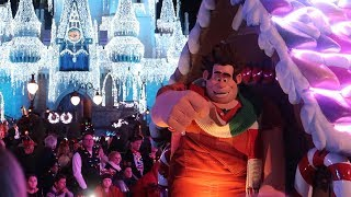 A Christmas Party At Walt Disney World! | Mickey