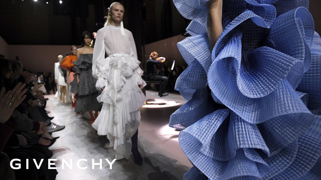 GIVENCHY   Spring Summer 20 Haute Couture Show