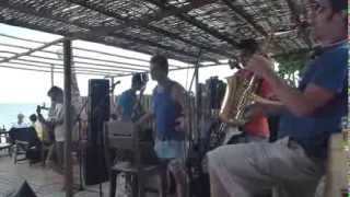 Sonífera Ilha The Perrengz feat Leo Moura