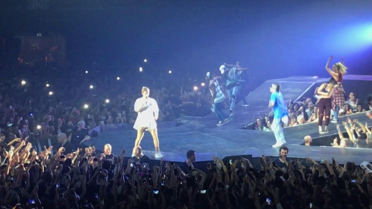 Justin Bieber Baby - Purpose Tour Bologna 20/11/16 - YouTube