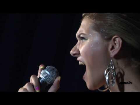 Greta de Stasi cover Christina Aguilera - It's A Man's World