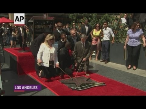 Usher shows off his star power