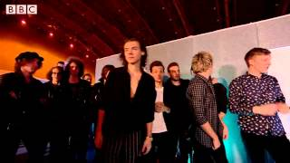 Coldplay   A Sky Full Of Stars at BBC Music Awards 2014 clip0