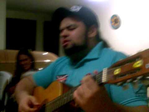 Felipe Lemos cantando Alcione