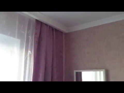Натяжной потолок (спрятали гардину в нишу)