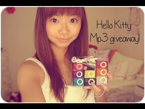 FREE GIVEAWAY: Win 1 of 7 Hello Kitty Mp3 Players!!!!