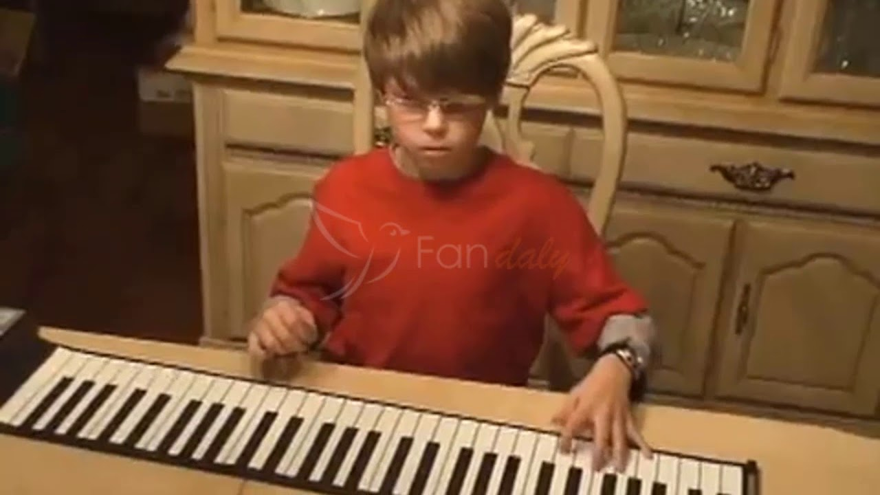 Pianoroll Portable Electronic Piano Youtube