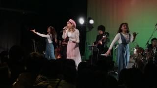 メロディー・チューバック - FRIDAY