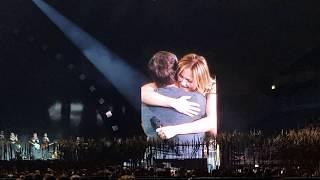 Helene Fischer Live 2018 & Svenja - Gänsehautmoment, Fan singt für Helene, Publikum rastet aus