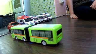 Игрушечный автобус, который сам едет