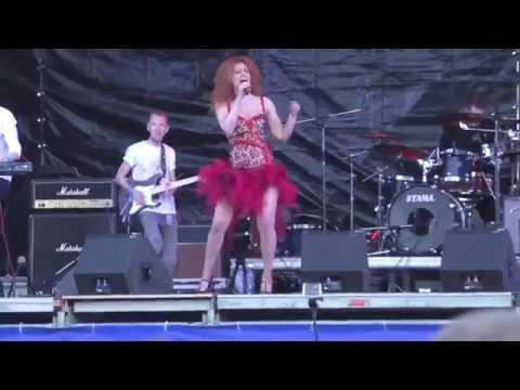 Клип Юлия Коган - Иду и пою