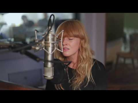 Lucy Rose - Our Eyes (Live At Urchin Studios)