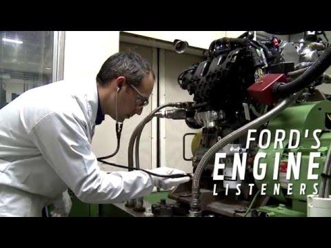 """Speziell ausgebildete """"Hör-Spezialisten"""" prüfen den EcoBoost-Motor des neuen Ford Focus RS mit ihren Ohren"""