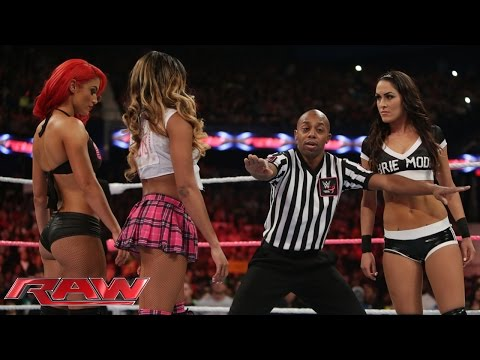 Brie Bella vs. Cameron & Eva Marie – 2on1 Handicap Match: Raw, Sept. 29, 2014