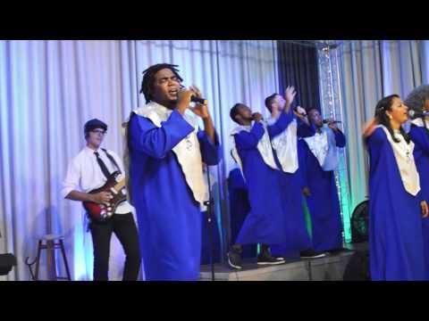 Igreja Cristã Abrigo- Cantata de Natal 2015 -Abrigo Choir- Jesus nasceu