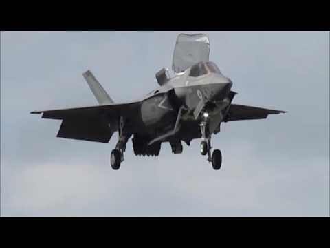F35 performs at Farnborough air show