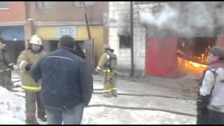 Пожар на Матросова3 (гаражи)(, 2013-12-17T13:27:00.000Z)