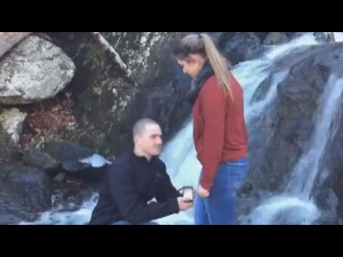 Thumbnail: Proposal Fail: Engagement Ring Falls Into Water, Ruining Picturesque Moment