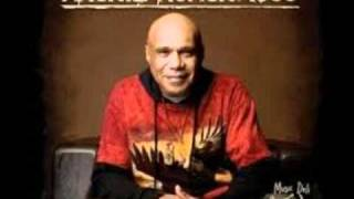 Christmas Eve  -  ARCHIE ROACH ft PAUL KELLY