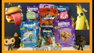 FORTNITE TOYS! Real Vs Fake, which is better? Figures, Trading Cards, Keychains, Stampers toy card
