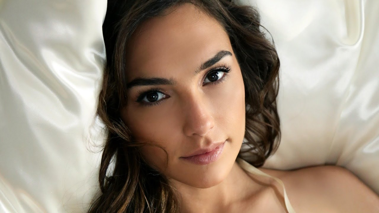 Gal Gadot Photos And Wallpapers Youtube