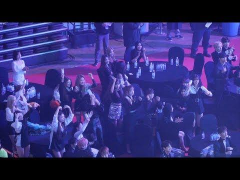 190123 아이즈원(IZ*ONE),모모랜드,아이콘,여자아이들 - 임창정 무대 Reaction [4K] 직캠 Fancam (2018 가온차트어워드) by Mera