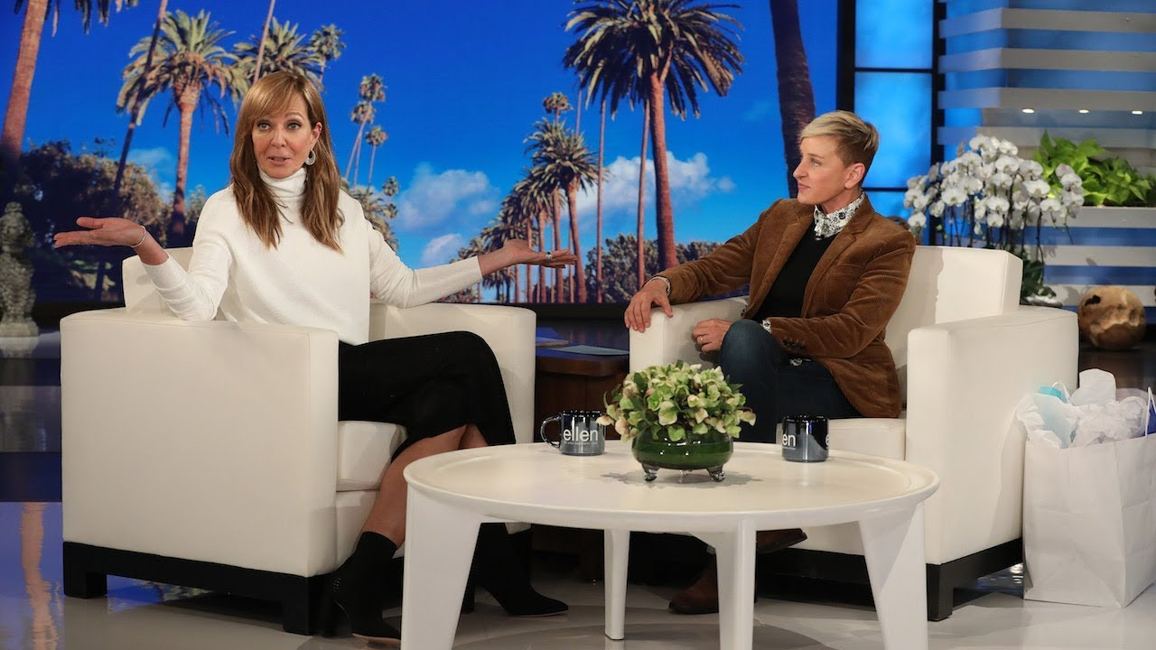 Allison Janney Is Looking for Her 'Hot Pants'
