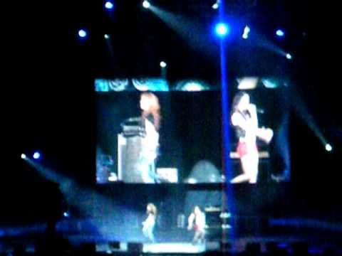 [fancam]SMTOWN '10 LIVE At Staples Center - Krystal & Jessica Tik Tok